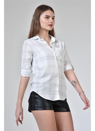 Rodi Jeans Kadın Çizgili Kol Katlamalı Gömlek DS21YB453639 Beyaz